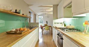 Дизайн узкой кухни. Практические советы по оформлению