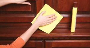 Как ухаживать за межкомнатными дверьми