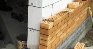 Как выгодно и качественно построить дом из газобетона или кирпича?